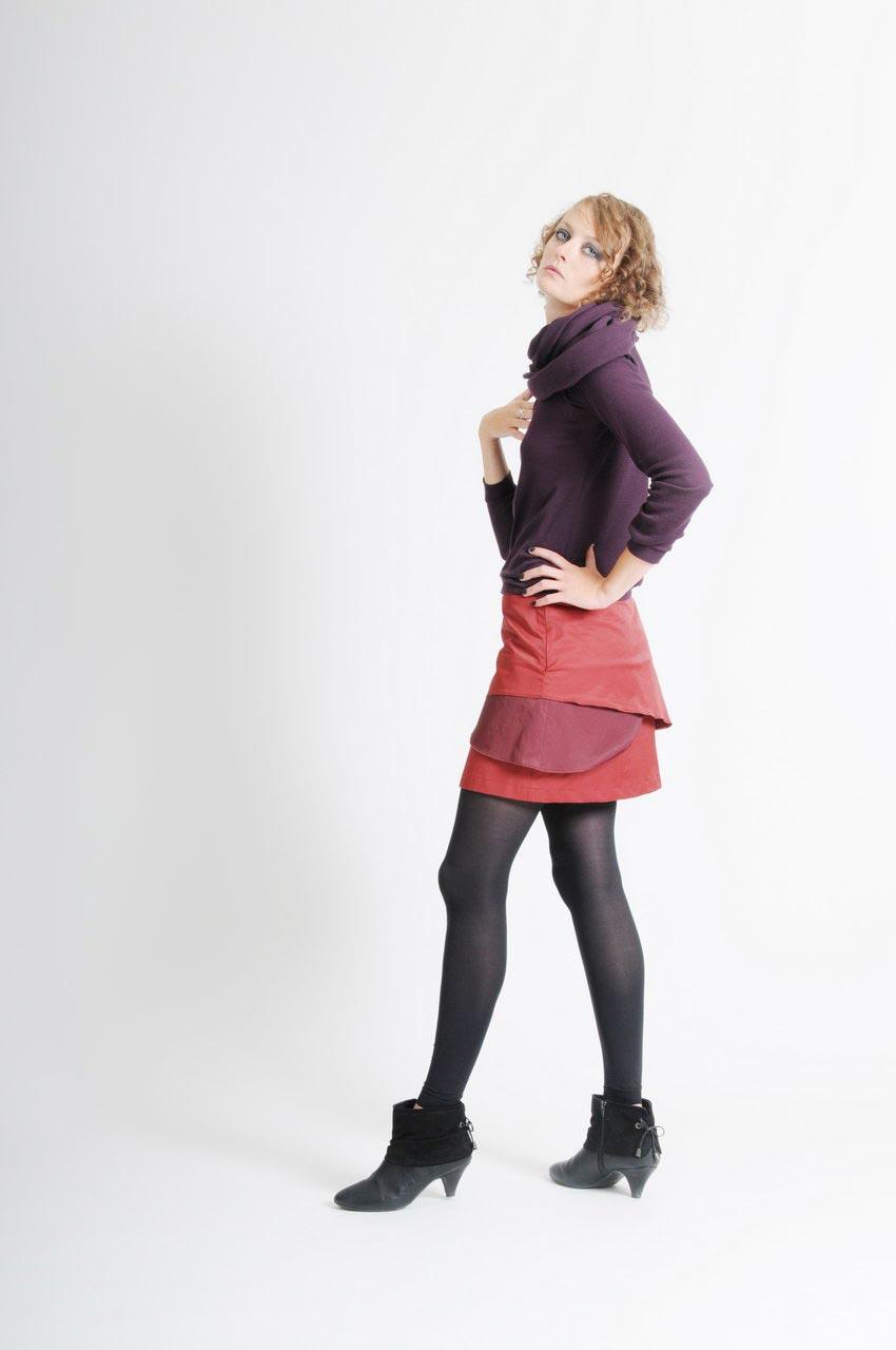 MADEVA collection automne hiver 11/12 Jupe courte evasee volants asymetriques oton rouge brique details bordeaux Cecile Haut Jeanne