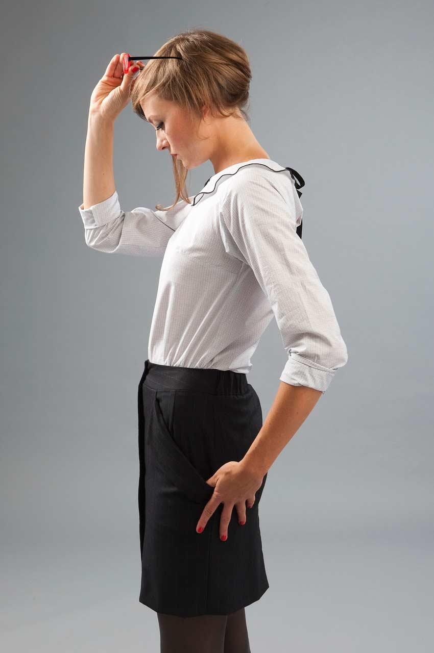 MADEVA collection automne hiver 2012/13 Haut droit col facon claudine liens dos manches longues coton blanc petits carreaux Olga jupe noir Tilda