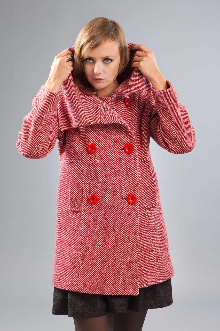 MADEVA collection automne hiver 2012/13 Manteau court col asymetrique double boutonnage devant martingale dos poches passepoilees tweed laine rouge/blanc Rita
