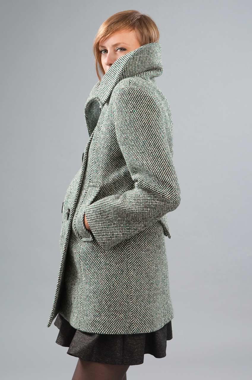 MADEVA collection automne hiver 2012/13 Manteau court col asymetrique double boutonnage devant martingale dos poches passepoilees tweed laine vert/blanc Rita