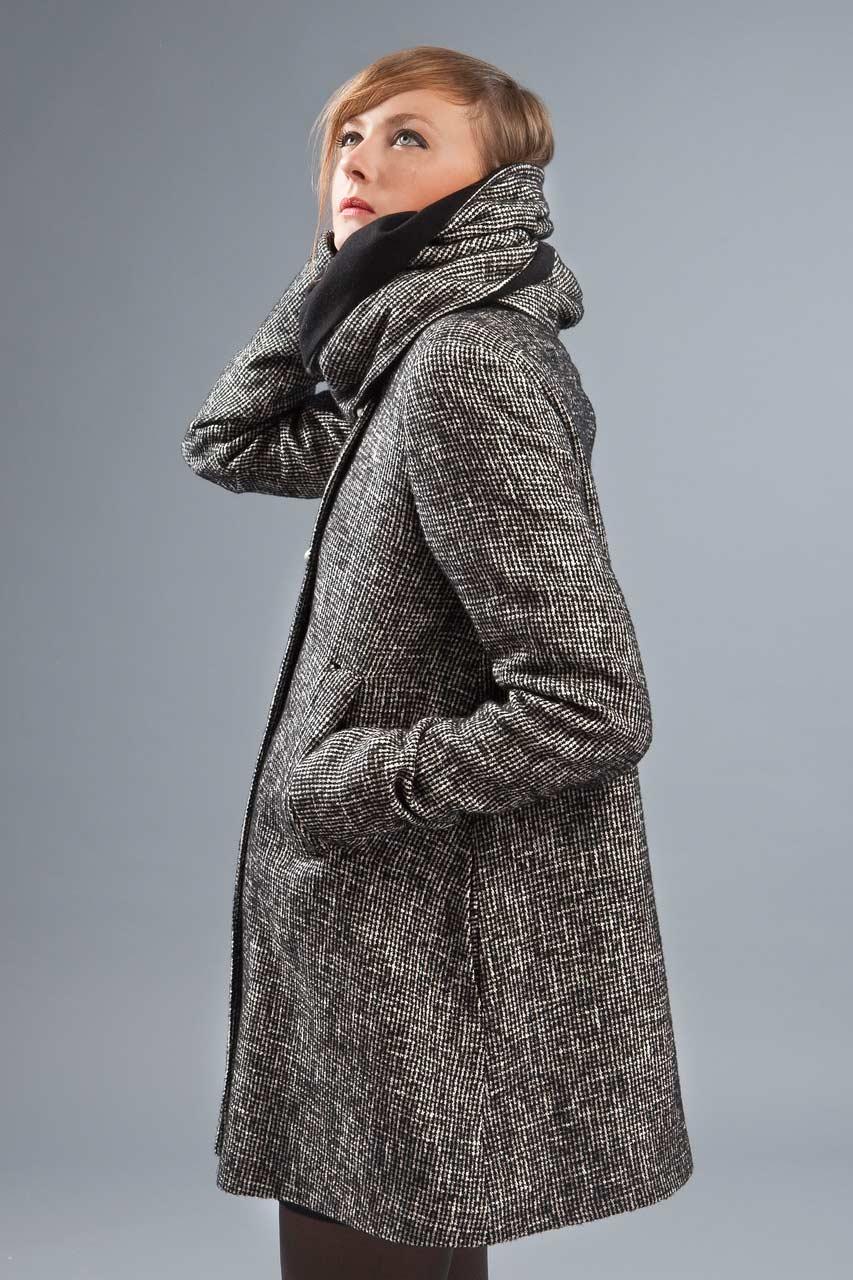 MADEVA collection automne hiver 2012/13 Manteau trapeze double boutonnage devant grand col echarpe amovible transformable capuche tweed laine noir/blanc Leonie