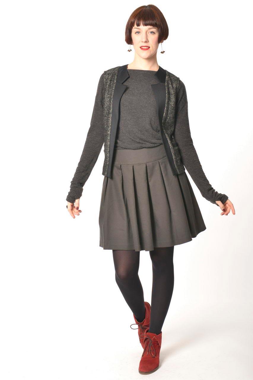 MADEVA collection automne hiver 2013/14 gilet droit sans manches col tailleur laine gris chine details noir uma jupe nadine