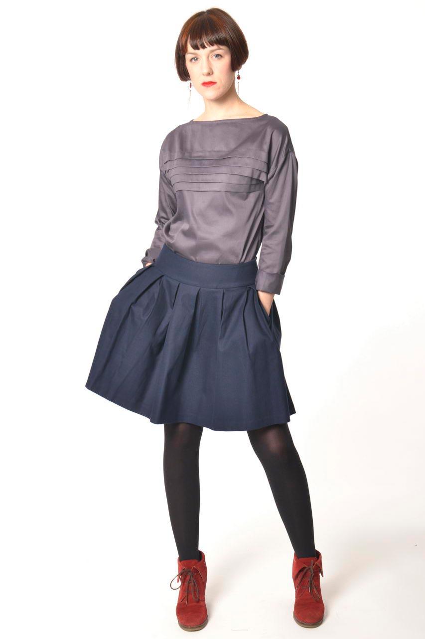 MADEVA collection automne hiver 2013/14 haut droit col bateau manches longues plis decoratifs devant coton gris uni anouk jupe nadine