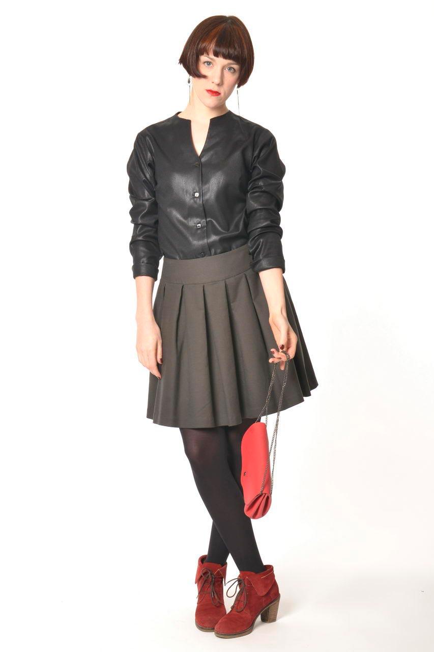 MADEVA collection automne hiver 2013/14 chemisier cintre manches longues col cravatte detachable viscose laine laque noir lera jupe nadine