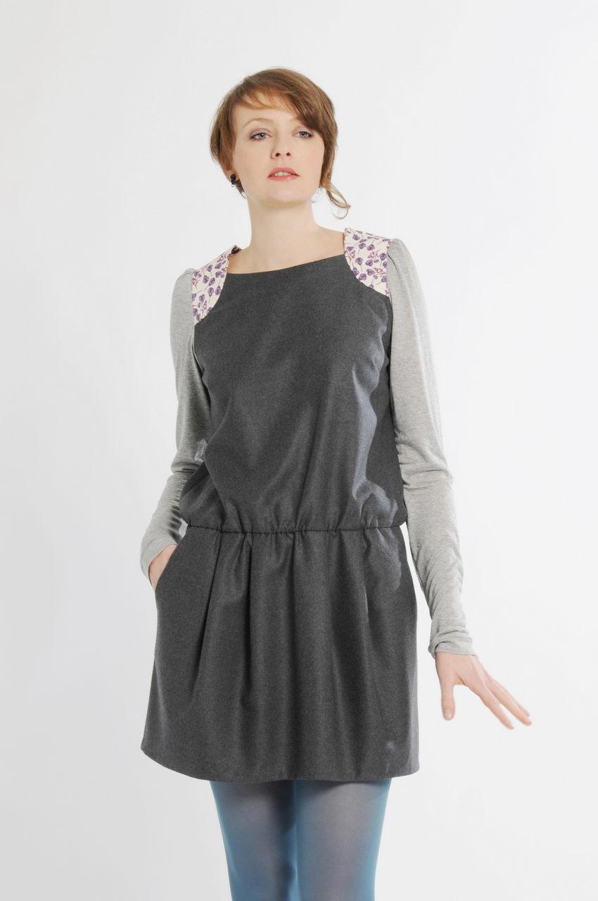 MADEVA collection printemps ete 11 robe tunique taille basse manches longues jersey gris clair empiecements epaule liberty coton gris/vert capucine