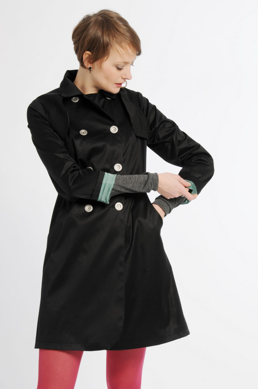 MADEVA collection printemps ete 11 trench trois/quart manches longues double boutonnage poches decoupes devant coton noir dahlia