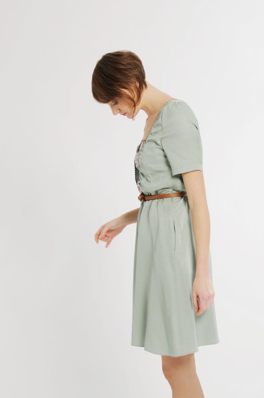 MADEVA collection printemps ete 11 robe evasee taille elastique dos croise manches fronces empiecements liberty viscose vert eau iris